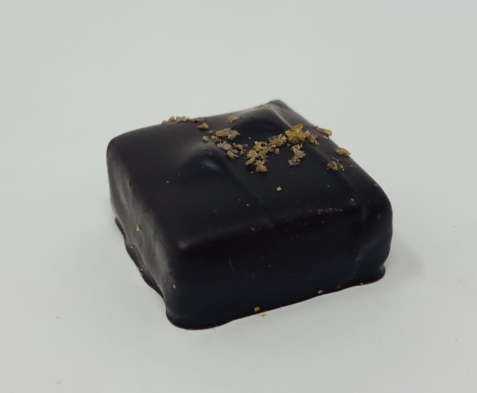 Praliné feuilleté et chocolat noir ou lait