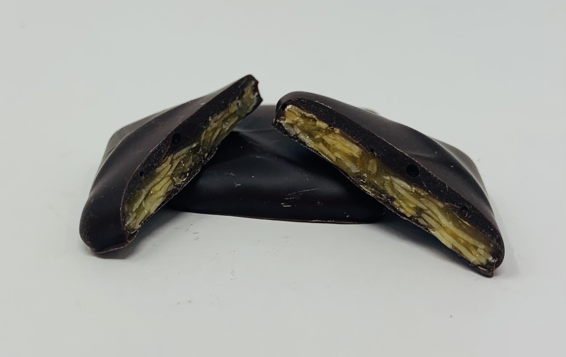 Nougatine aux amandes et chocolat noir