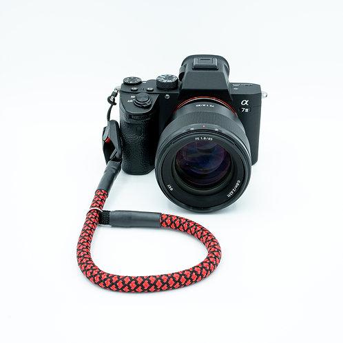 Handschlaufe Trageschlaufe für alle Kameratypen schwarz/rot 10mm Peak