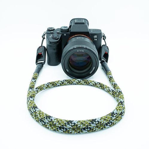 """Kameraseil Trage/Schultergurt für alle Kamerahersteller Farbe """"camouflage"""""""