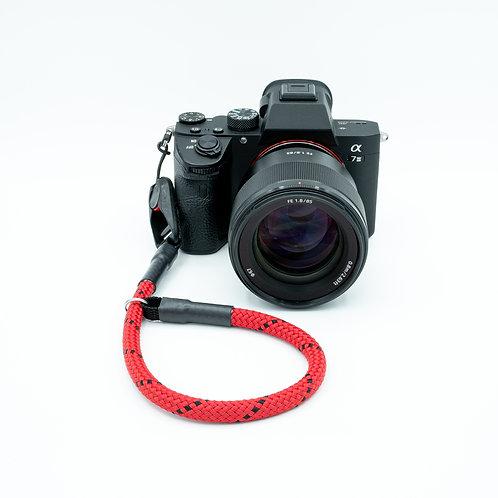 Handschlaufe Trageschlaufe für alle Kameratypen rot/schwarz 10mm Peak