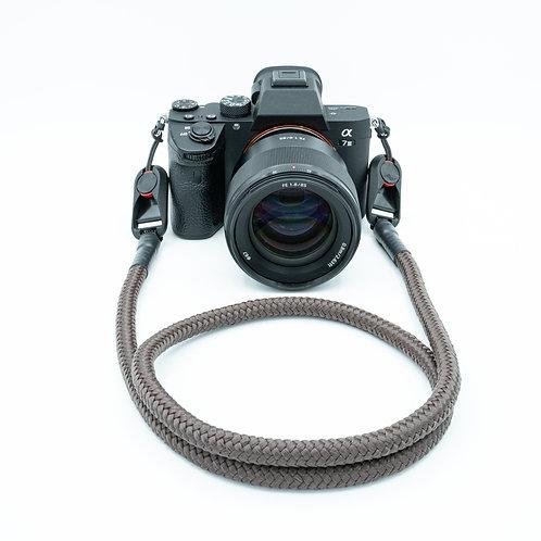 """Kameraseil Trage/Schultergurt für alle Kamerahersteller Farbe """"braun """""""