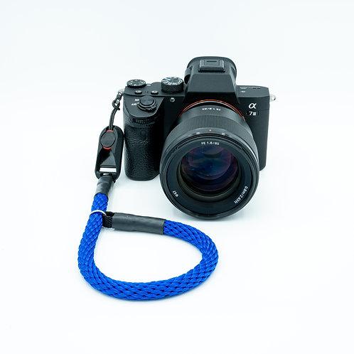 Handschlaufe Trageschlaufe für alle Kameratypen kräftiges blau 10mm Peak