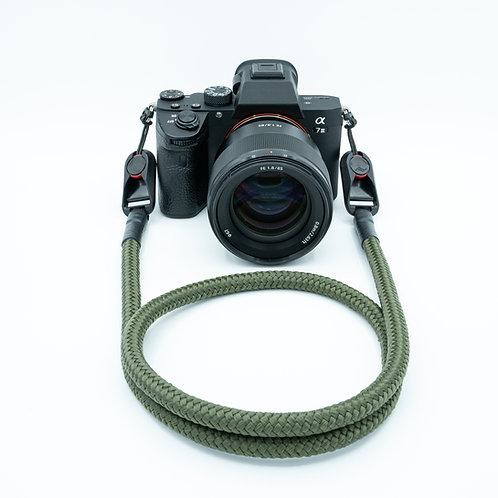 """Kameraseil Trage/Schultergurt für alle Kamerahersteller Farbe """"olivegrün"""""""