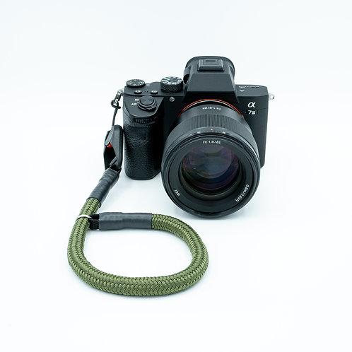 Handschlaufe Trageschlaufe für alle Kameratypen olivgrün 10mm / 6mm Peak