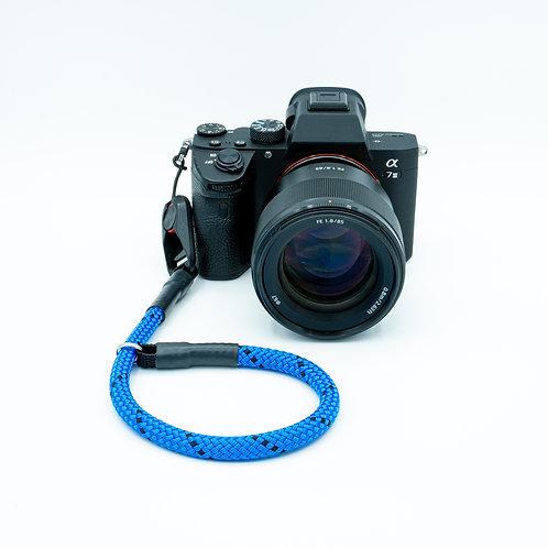 Handschlaufe Trageschlaufe für alle Kameratypen blau/schwarz 10mm Peak Design
