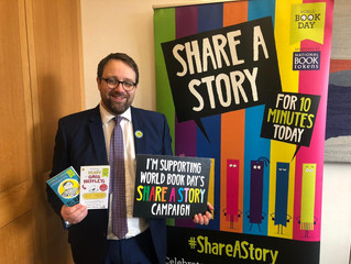 """Put Down Your Phone and Share a Story!"", says Ogmore MP"