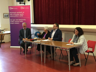Audience Switched on at MP and AM's Energy Advice Surgery