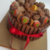 tlcb, that little cake boutique, brown, red, bow, chocolate dipped strawberries, thorntons cake, tofifee cake, kit kat cake