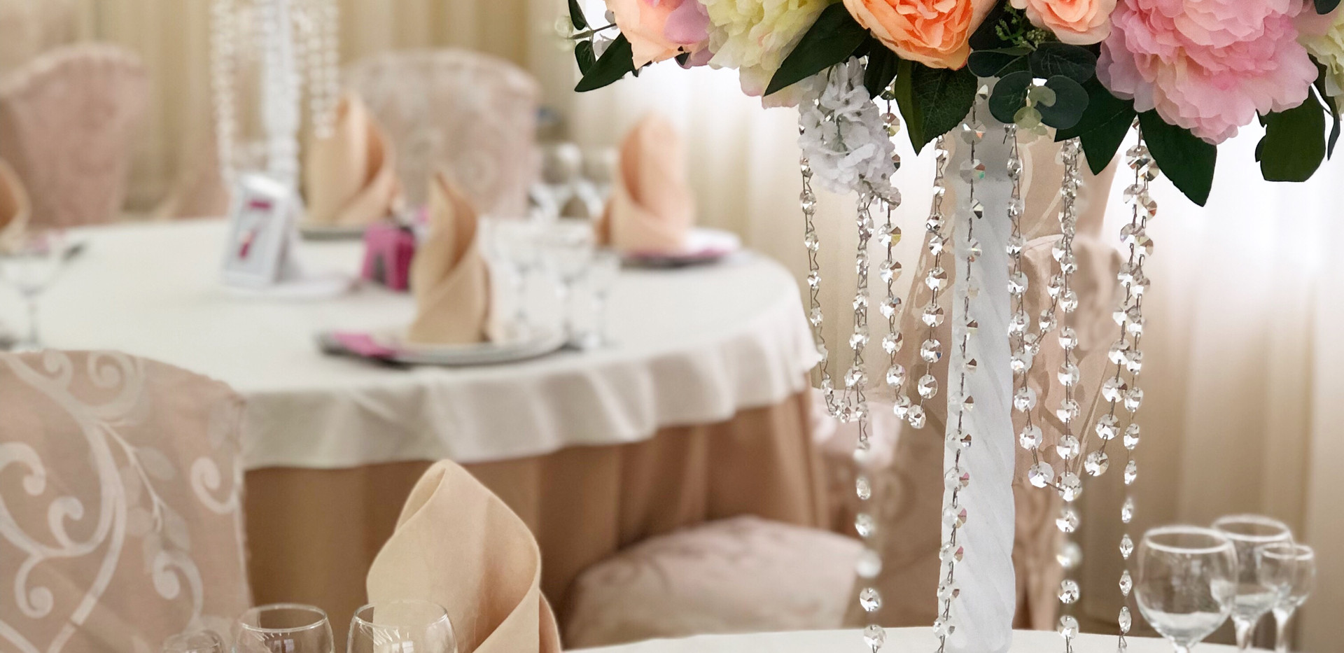Цветочные композиции на гостевые столы