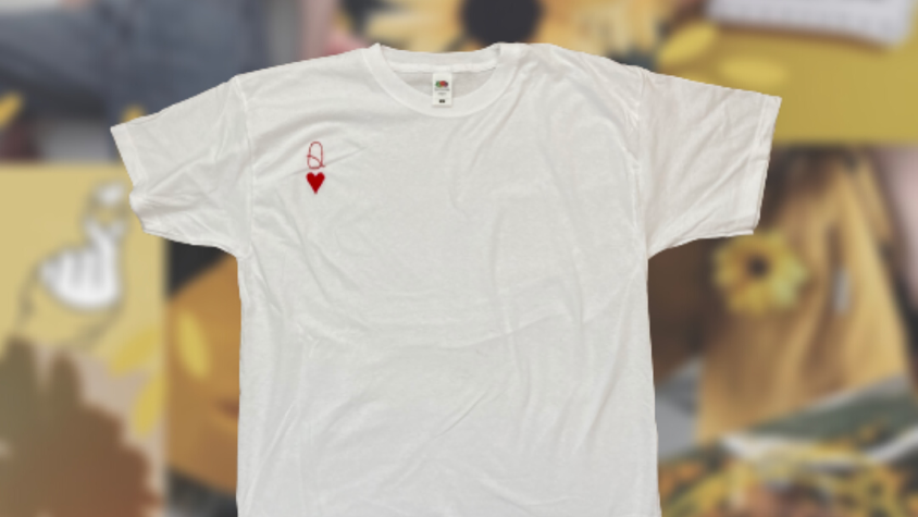Queen of Hearts | White Embroidery T-Shirt