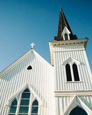63394-white-church-isaac-ordaz-unsplash-