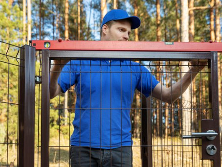 To hire a fence contractor - or DIY?