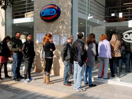 110 χιλ. νέοι άνεργοι: Κι όμως ο Κούλης χαζογελάει…