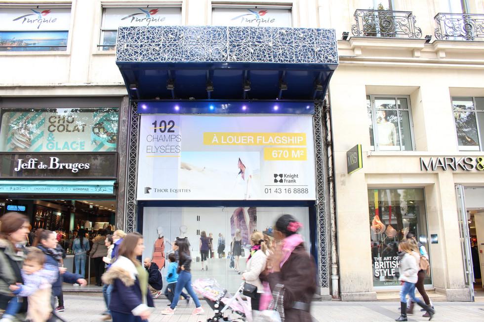 102 Champs Elysées