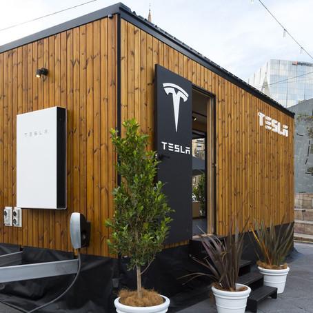 تيسلا تصنع منزل متنقل مع الطاقة الشمسية