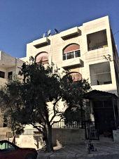 بسعر مغري - شقة للبيع في عمان منطقة المنارة خلف المسجد الابيض قريبه جدا من المدارس