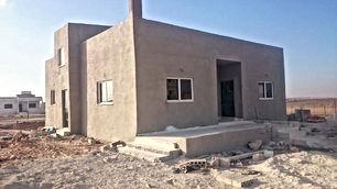 بيت للبيع في مادبا حي الجزيرة شرق كازية البجالي