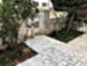 شقة مميزة وفخمة أرضية مع حديقة وكراج خاص في اجمل مواقع الرابية مطلة ع شارع المدينة وشارع مكة