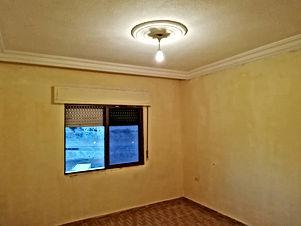 شقه للبيع مساحة 140متر في منطقة المناره بالقرب من الشارع الرئيسي والمقبره بسعر مغري