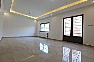 اخر شقة في مشروع الجاردنز 120 متر ارضية بتشطيبات فاخرة جدا