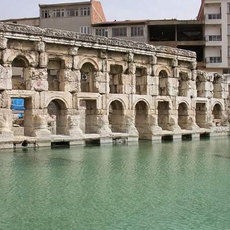 """""""حمام ابنة الملك"""" الروماني في تركيا"""