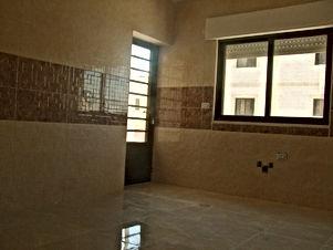 شقة جديده لم تسكن للبيع بالأقساط في ضاحية الحاج حسن - قرب حديقة الطيور