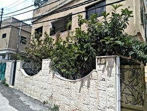 بيت طابقين مستقل في اربد بيت راس مقابل حلويات الجندول