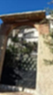 عمارة للبيع في السلط وادي الحلبي