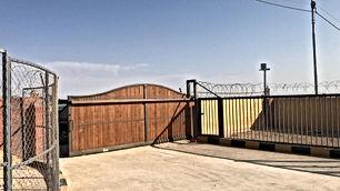 اسطبل خيل مساحه الف متر موقع شارع مادبا بقرب من حلبه أرينا للبيع