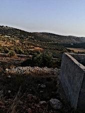 قطعه ارض في اجمل مواقع جرش قرب محميه الغزلان وقريبة جدا من دبين