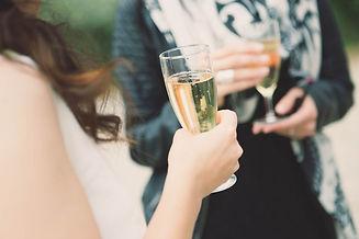 Photographe mariage à Versailles, le vin d'honneur, la soirée dansante et la pièce montée