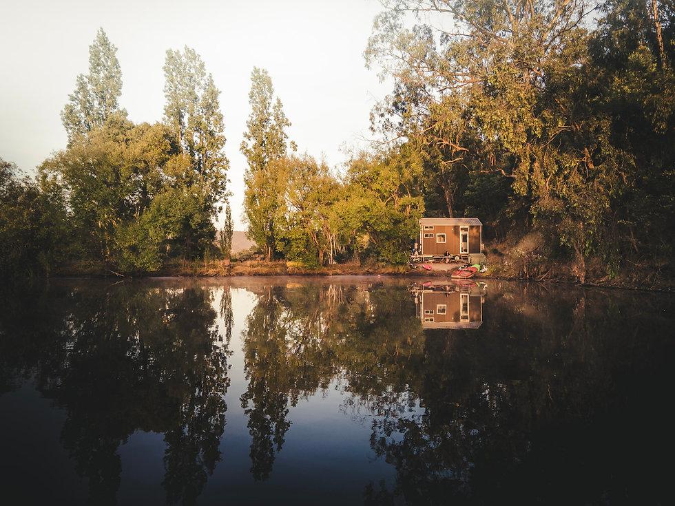 TINY AWAY - QUIET LAKE HOUSE - SJL Photo