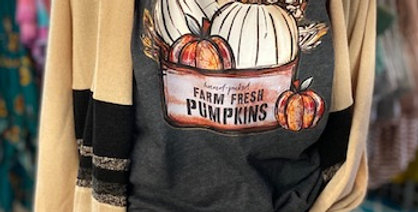 """Farm fresh pumpkins"" Tee"
