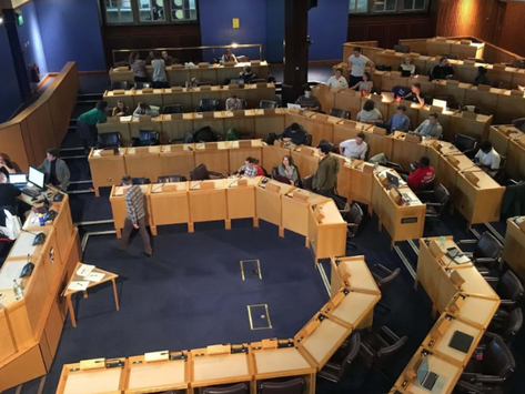 Student council votes for content warnings, access hours and byelaw changes