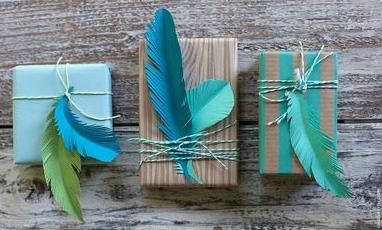 Envuelve tus regalos con originalidad.