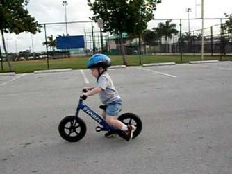 Jak nie przeszkadzać dziecku w nauce jazdy na rowerze?