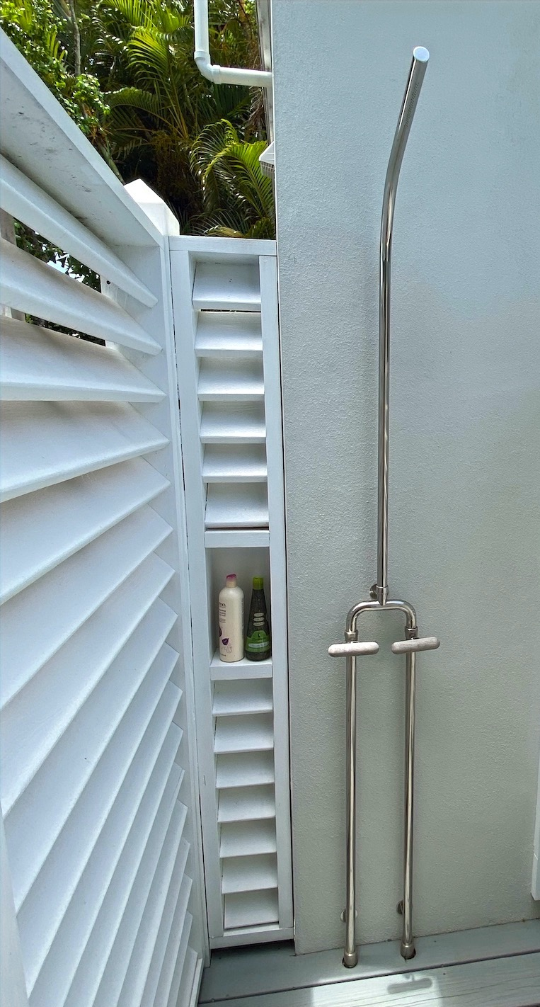Calazzo Outdoor Shower