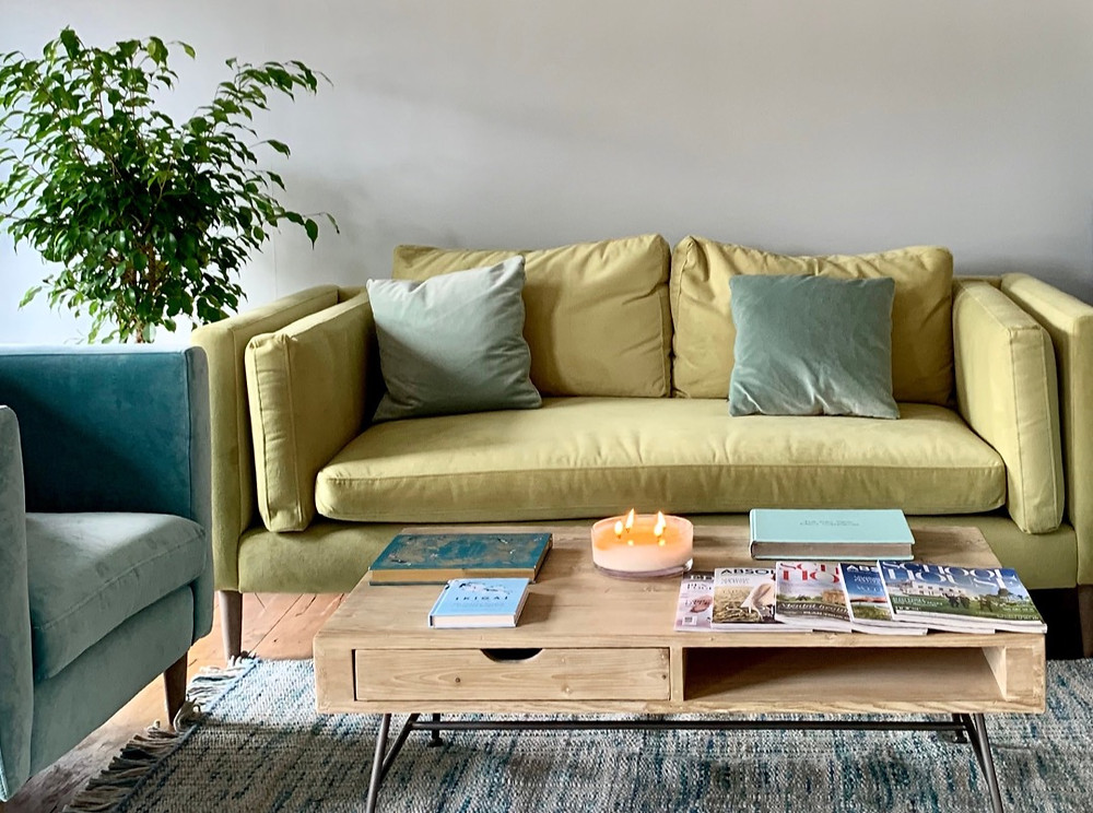 The Key Clinic waiting area is shown here with soft furnishings and neutral decor illustrating a calm and relaxing atmosphere for patients with ADHD