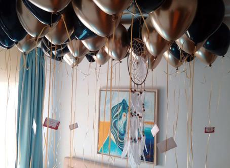 Baloane cu heliu pentru o suprizǎ