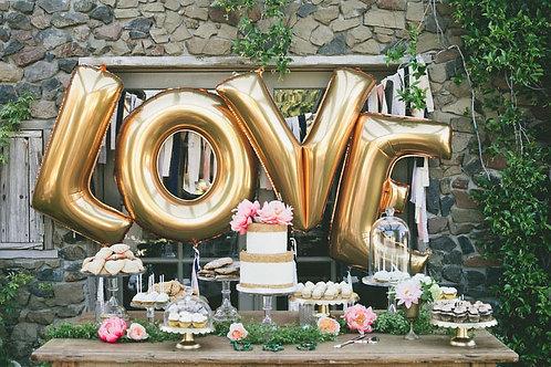 Scrisul LOVE din baloane litere cu heliu