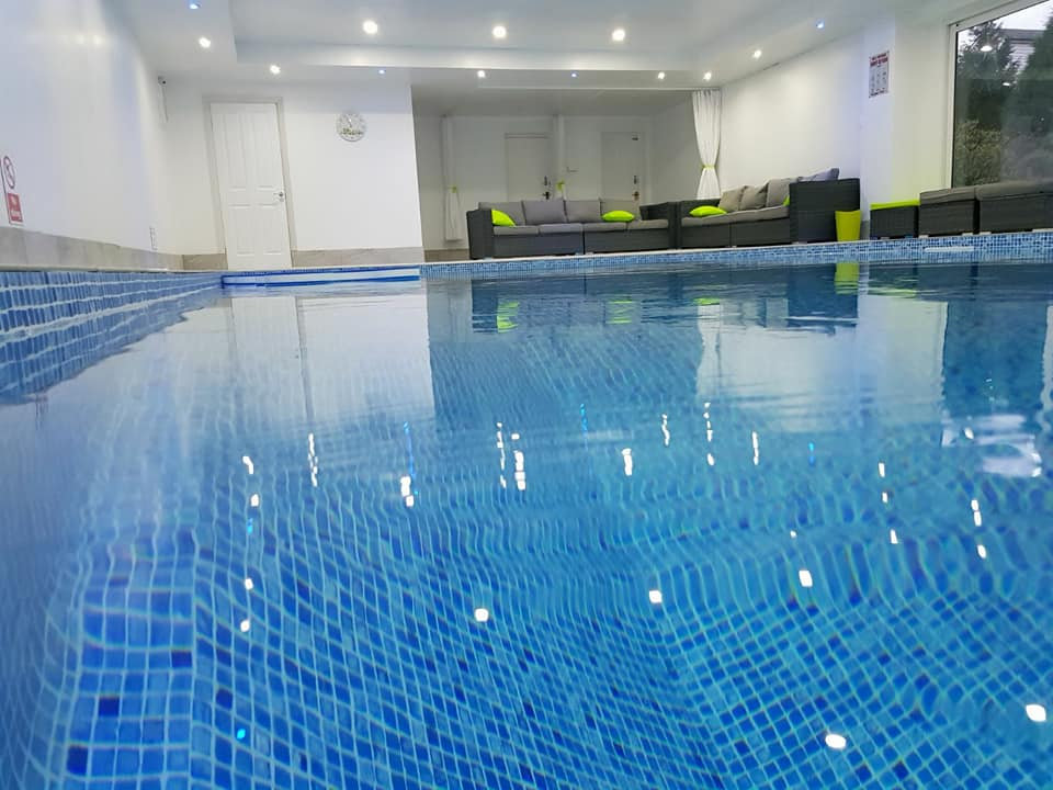Private Pool Hire (price 3 to 6 people)