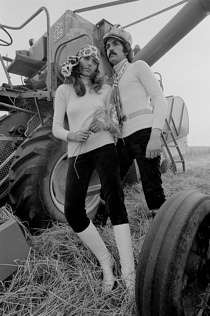 2 models, Weraing knit, Tractor