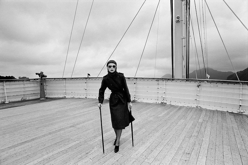 Britt,the Scandinavia,NishiIzu,on a deck,walking sticks