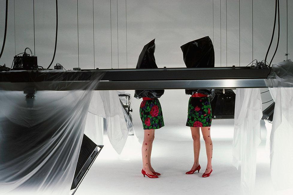 Ryuko Tsushin,Rose patterned skirts,Black plastic bag,109 Meguro