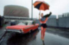 Chloé, A huge American car, Parasol,Fulham
