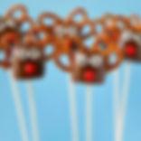 easy-reindeer-marshmallow-pops-500x500.j