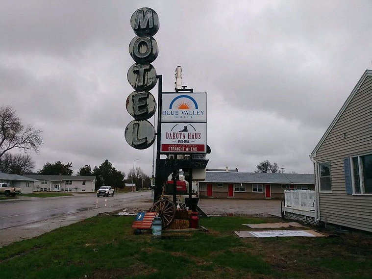 Blue Valley Motel 3.jpg