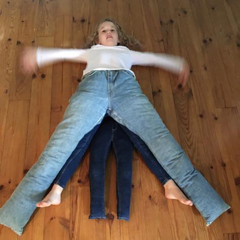H et L, Jeu-jeans 2, 2020