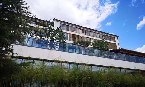 M Resort Hotel